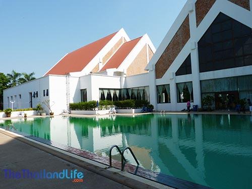 rimpao-hotel-swimming-pool