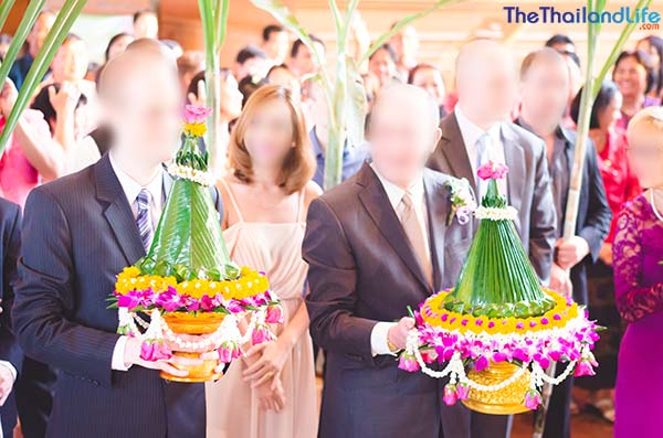 thai wedding procession