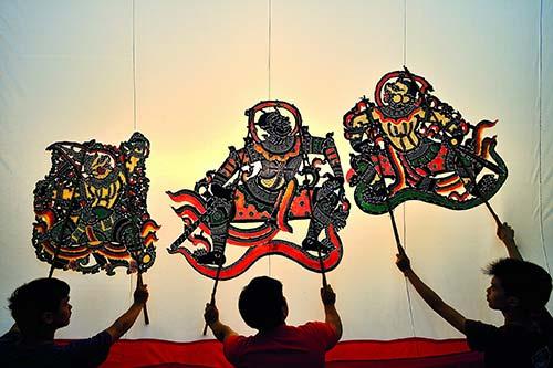 nang-yai-puppet-show