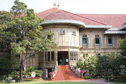 vimanmek-palace-tour