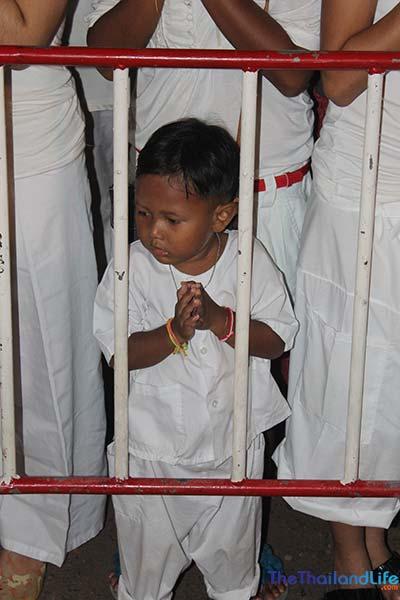 thai wai child