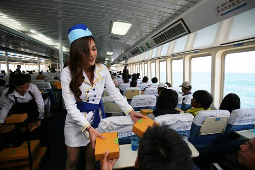 lunch-on-hua-hin-ferry