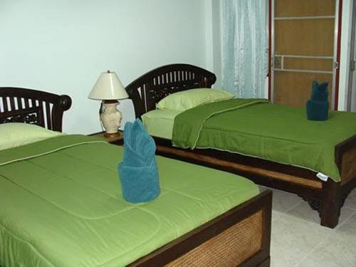 junior guesthouse chiang mai