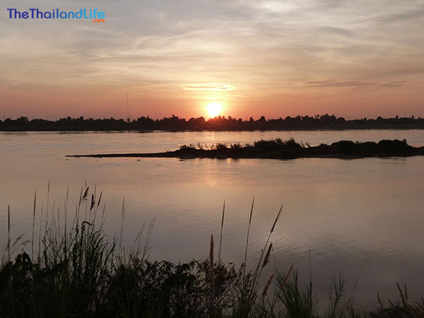 sunset-meekong-river-vientiane