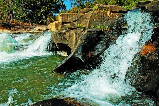 waterfall-doi-inthanon-chiang-mai