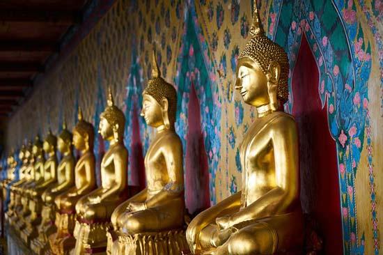 wat-arun-statues