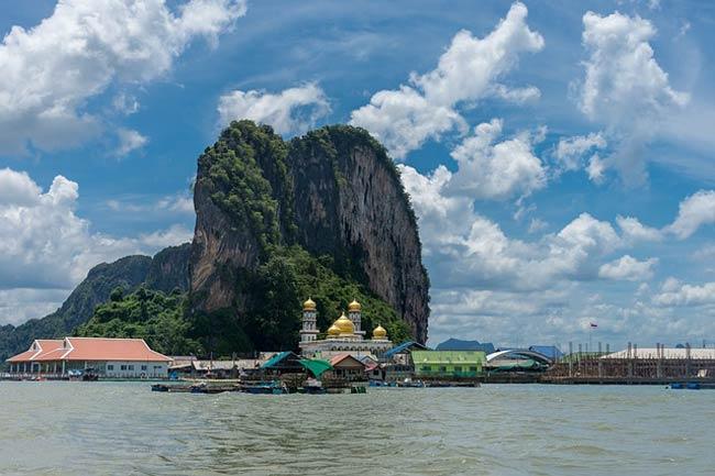 Koh-Panyi-james-bond-island