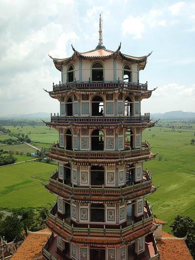 chinese-temple-pagoda-kanchanaburi