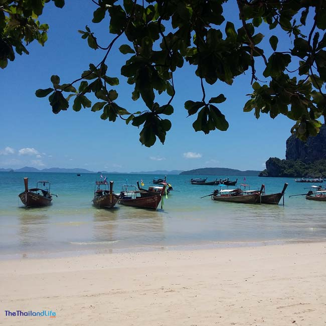 railay-beach village-resort