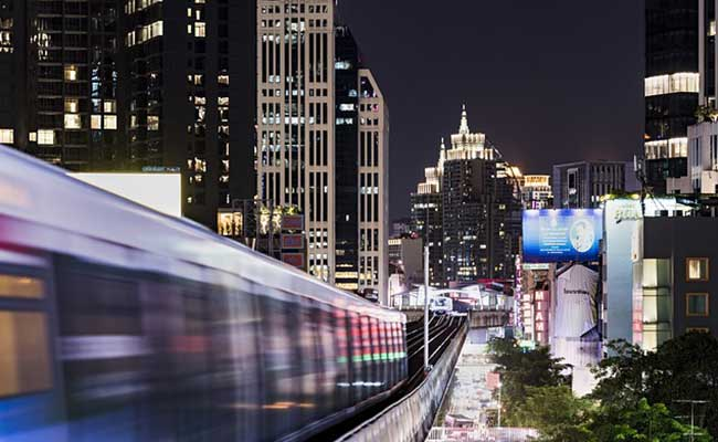 BTS-skytrain-bangkok-night