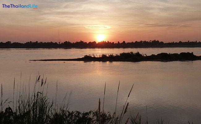 vientiane-laos-meekong-sunset